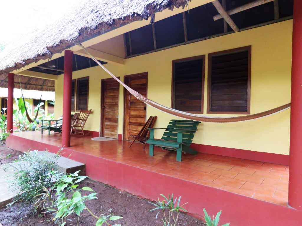 valley-view-cabana-exterior02
